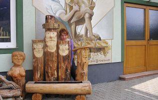 Holzinstrumente sowie holzfiguren und krippen aus k rnten for Holzfiguren garten